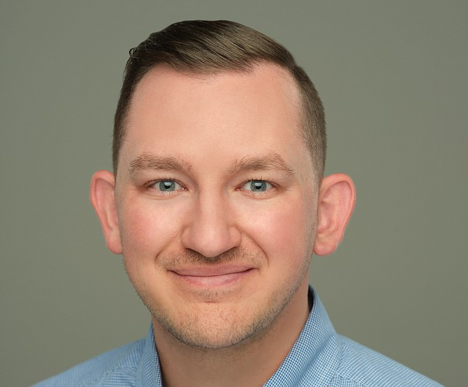 Aside form his role at Gratis Payment Processing, Devin Sizemore also serves as an adjunct professor at Sierra Nevada University.