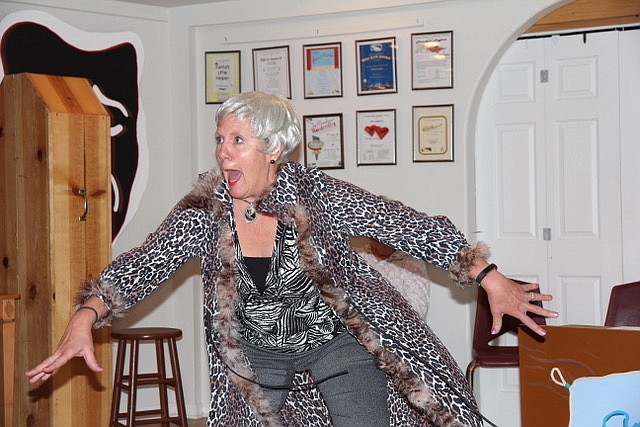 Res Martin who plays La Merel rehearses a scene from Rex's Exes where she is hypnotized and thinks she's a monkey.