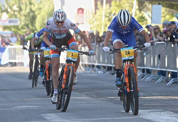 Katerina Nash (Luna) outsprints Rose Grant (Stan's/Pivot) at the finale of the Epic Rides Carson City Off-Road Women's Pro Criterium Friday evening.