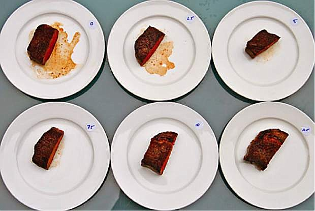 Six steaks of identical thickness, each cooked to 125 degrees. Each steak was sliced in half every 2.5 minutes and placed on a plate to show how much of the juices leaked out.