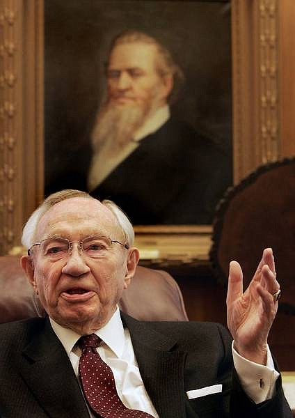 Associated Press File photo In this Nov. 23, 2005, picture, Gordon B. Hinckley, president of the Mormon church, speaks during an interview in Salt Lake City. Hinckley, the longest-serving president of the Mormon church, died Sunday, a church spokesman said.