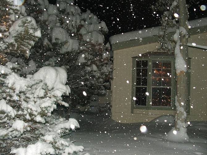 Snow falls in Mound House