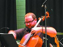 Celloist Evan Stern