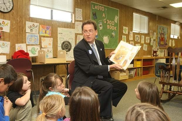 Lt. Gov. Brian Krolicki reads to third grade students at Bordewich-Bray Elementary School on Tuesday morning.