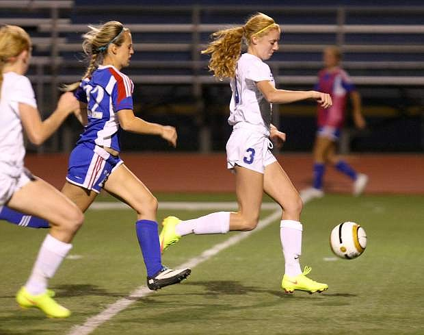 Mallory Otto leads a fastbreak past a Reno defender on Tuesday.