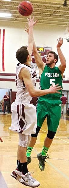 Fallon's Braxton Hunter (5) makes a jump-shot.