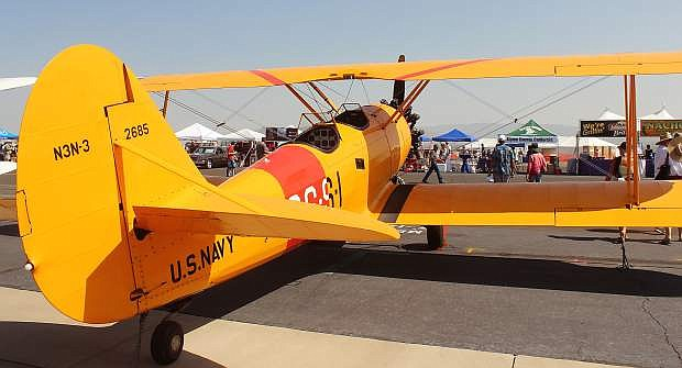 A Navy single-engine plane built in 1941 shows how far design has come in 74 years.