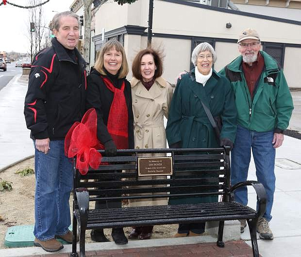 Mayor Bob Crowell joins Paulette Sherrell, left, at a bench dedication in memory of her late husband Len Booth on Wednesday. Attending the brief ceremony are friends Gail Herstead, Jane Johnson and Bob Luce