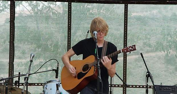 Guitarist Mylo McCormick is offering a free concert in Silver City on Sunday evening.