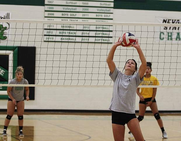 Fallon senior Rylee Buckmaster sets during practice last week.