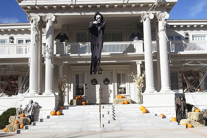 The Governor's Mansion is decorated for Halloween.