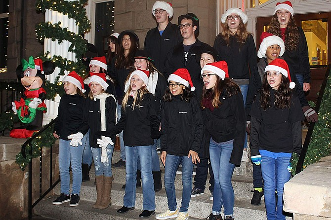 Carolers from Carson High and Sierra Lutheran High School will visit restaurants in the downtown core to delight diners. This new tradition began three years ago and is welcome feature of the festival. Some of the restaurants will be serving Silver & Snowflakes Festival of Lights drink and food specials.