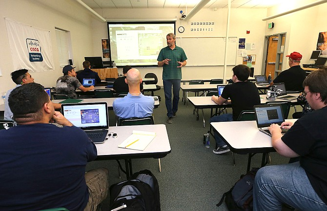 Instructor Dave Riske teaches a Computer Information Technology class at Western Nevada College in Carson City, Nev., on Tuesday, Sept. 27, 2017.   Photo by Cathleen Allison/Nevada Photo Source